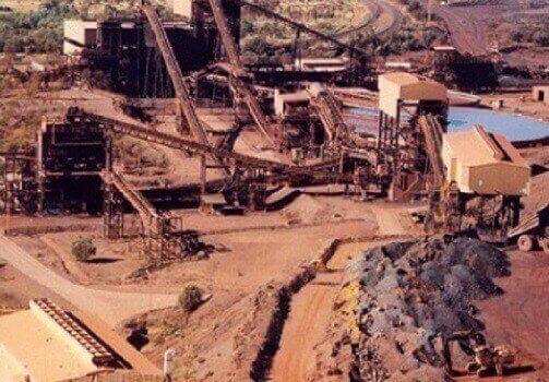 در شرایطی که قیمت سنگ آهن نسبت به سال قبل بهبود نسبی پیدا کرده است، رییس انجمن تولیدکنندگان و صادرکنندگان سنگ آهن ایران پیشبینی کرد تا پایان سال ۱۵ میلیون تن از این محصول صادر شود.