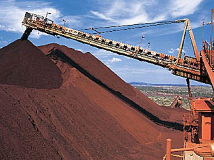 اوضاع و احوال عجیب بازار سنگآهن ، قیمت سنگآهن نسبت به پایینترین میزان خود که پایان سال پیش مشاهده شد حدود ۱۰۸ درصد رشد کرده و عملا دو برابر شده است